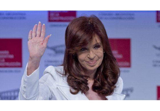 Cristina Fernández viajó a Cuba tras la muerte de su madre