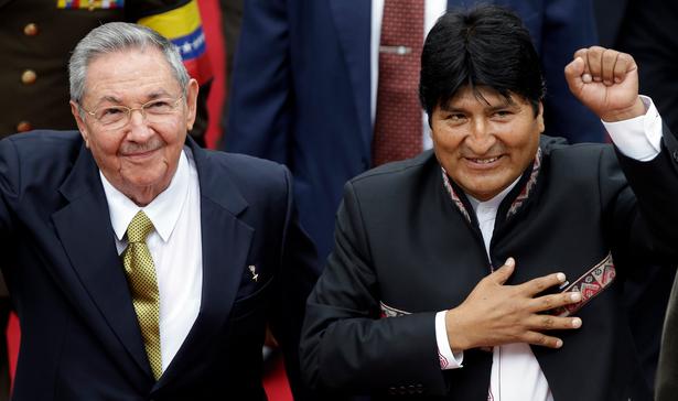 Evo Morales viaja a Cuba para ¨consulta médica¨