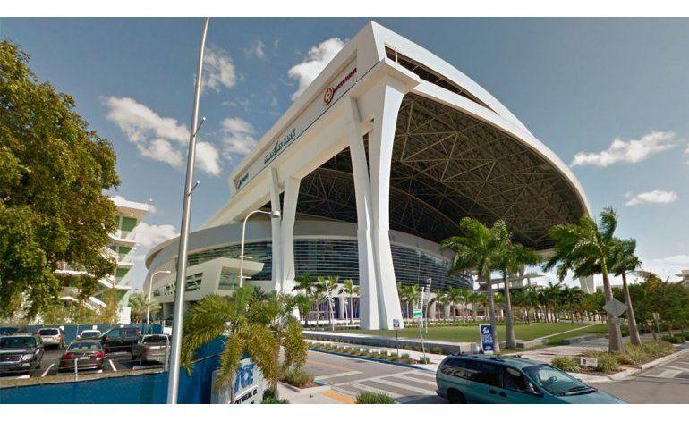 Ciudad de Miami decide refinanciar la deuda de los parqueos del Marlins Park