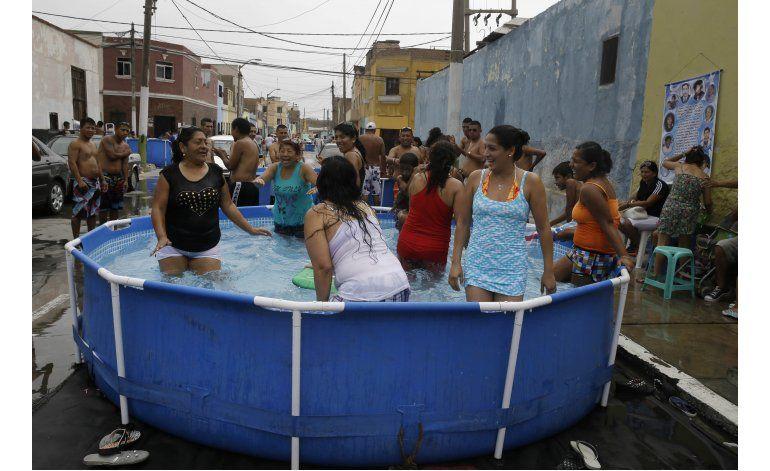 Per piscinas de pl stico en calles moda en barrio porte o for Albercas portatiles en hermosillo