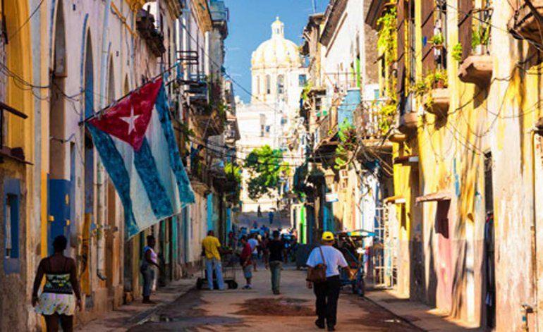 Cubanos en la isla se preparan para despedir el año con carencias