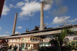 Central azucarera en cuba, fue visitada por empresarios estadounidenses.