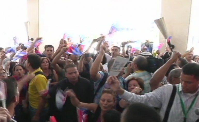 Cubanos en Panamá reclaman la atención de Obama ante la crisis migratoria VIDEO