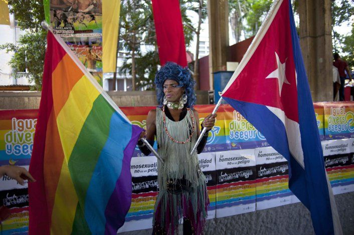 Alerta de asesinatos a gays en Cuba