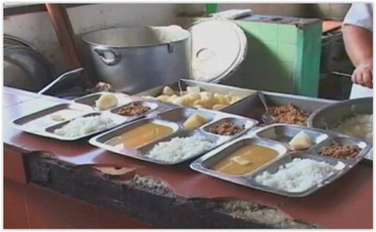 Publican cr ticas al almuerzo escolar sin autorizaci n for Comedores escolares en colombia