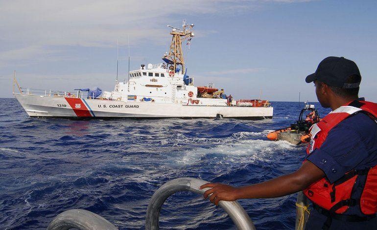 Guardia Costera de EEUU repatría a 90 cubanos interceptados en el mar