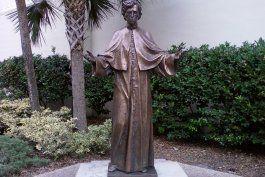 Monumento al Padre Varela en San Agustín.