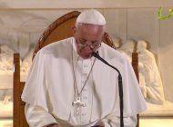 el papa francisco llego a kenia, donde inicia su primera gira por africa