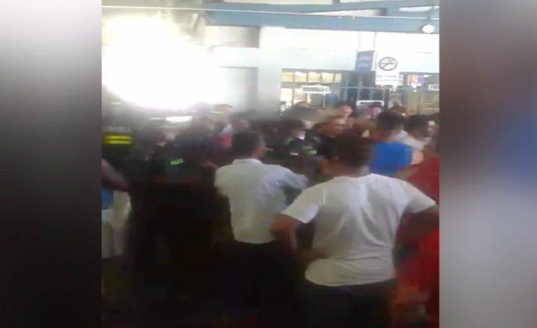 Más de mil cubanos varados en Costa Rica