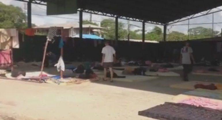 Cubanos continúan en medio del conflicto migratorio en la frontera de Costa Rica con Nicaragua