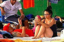 Costa Rica, México y Guatemala buscan mañana una solución para los migrantes cubanos