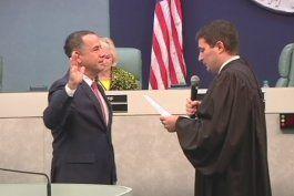 Juramentan comisionados y el reelegido alcalde de Miami Beach