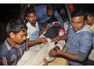 un muerto en ataque a mezquita chii en bangladesh