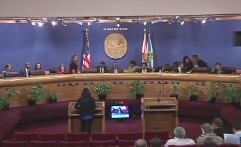 La comisión de la ciudad de Miami fue escenario nuevamente de una acalorada discusión