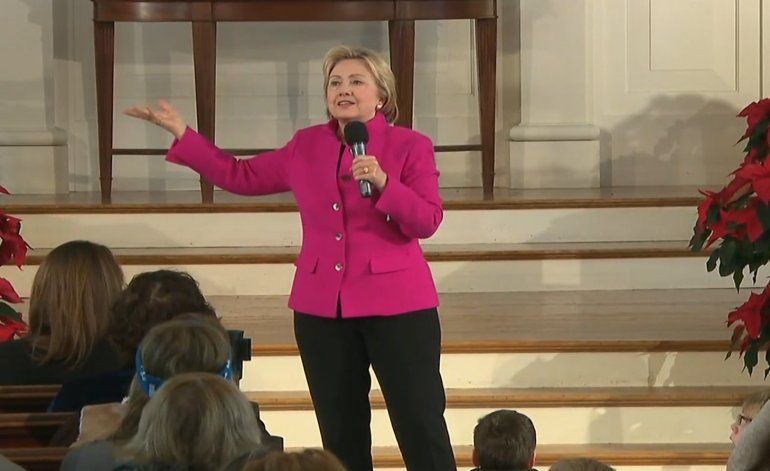 Clinton encabeza las encuestas en estados claves