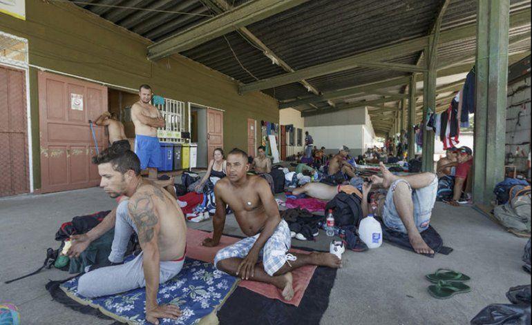 Costa Rica espera terminar en tres semanas operativo de salida de cubanos