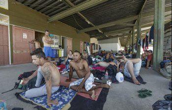 Cubanos escuchan advertencias del Gobierno de Solís y llenan los vuelos programados