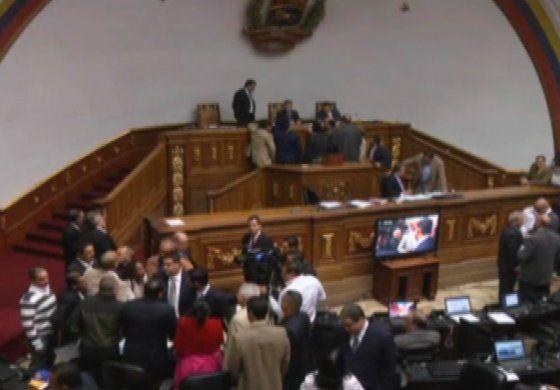 El Supremo venezolano declara la validez del decreto que desautorizó el Parlamento
