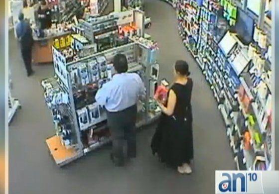 Un año después una mujer y un hombre volvieron a robar en una tienda Radio Shack