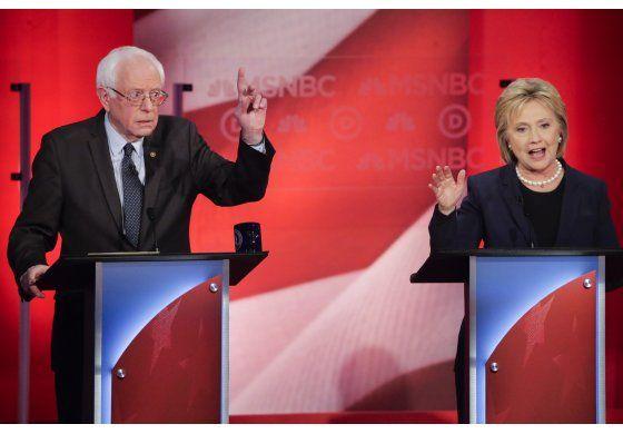 Desacuerdo demócrata durante debate entre Hillary Clinton y Bernie Sanders