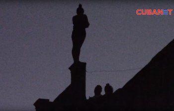 [Video] Una joven intenta suicidarse en La Habana