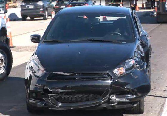 Grúa cae sobre un auto en el Palmetto