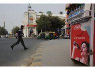 coca cola suspende embotellado en 3 plantas de india
