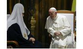 Papa da histórico abrazo a Patriarca ruso y agradece a Cuba