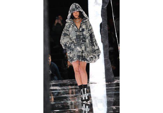 Rihanna triunfa en la pasarela, esta vez como diseñadora