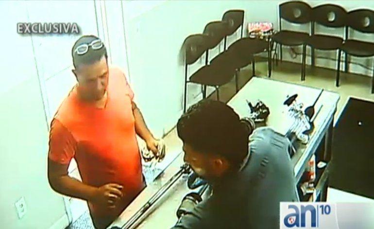 Policía busca ladrón que robó en un Auto Part