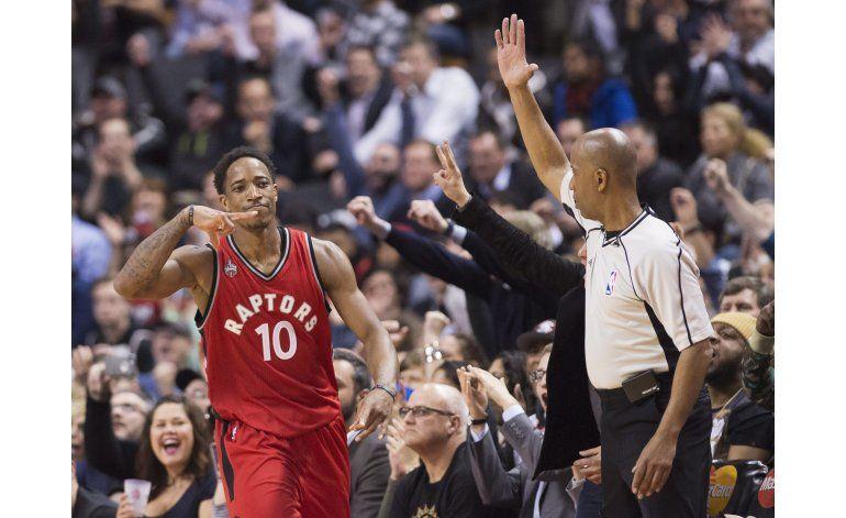 Raptors hilan 9na victoria seguida en casa
