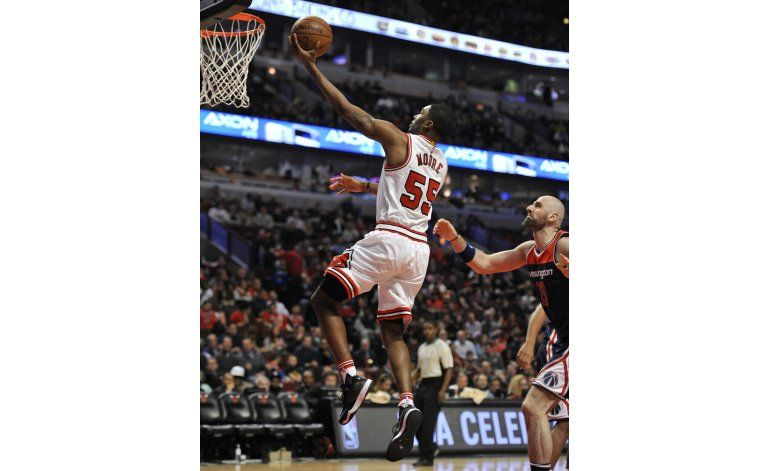 Bulls improvisan y superan a Wizards