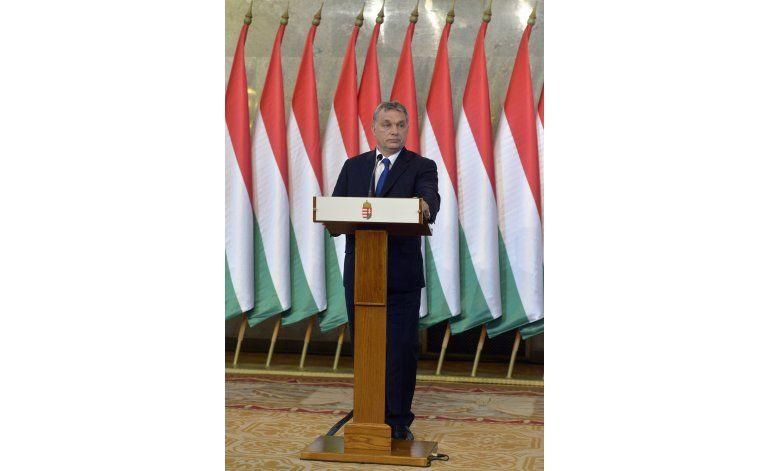 Líder húngaro pide referendo sobre cuota de inmigrantes