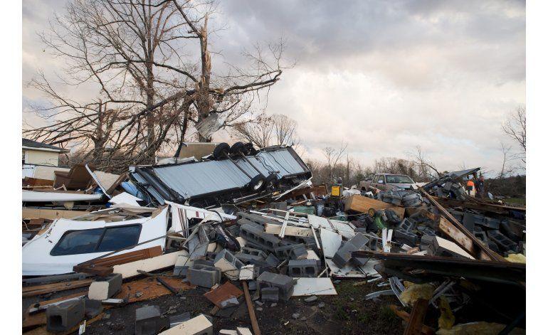 EEUU: Tormentas dejan muertos y apagones en costa este