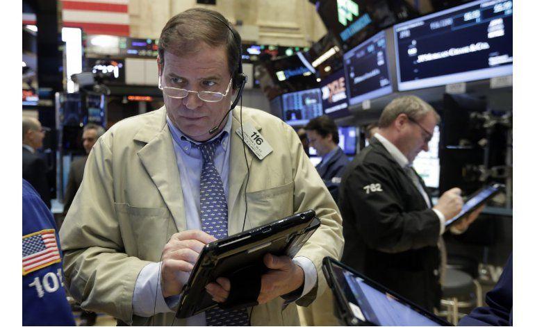 Wall Street cierra con ganancias por alza en el crudo