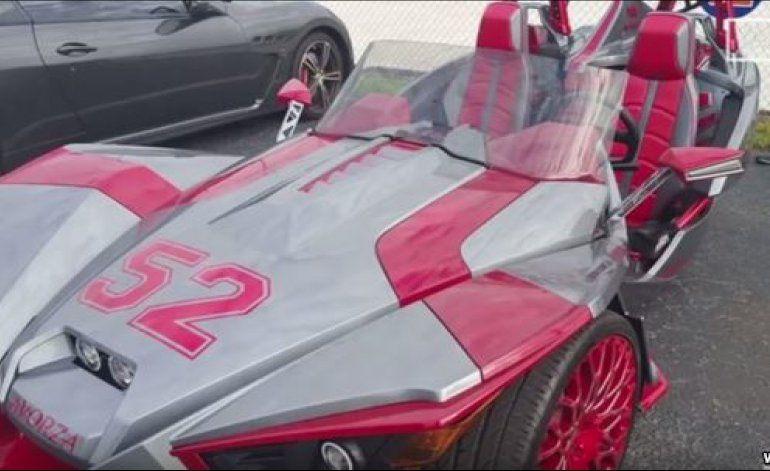 Los autos de Yoenis Céspedes causan sensación en la fanaticada