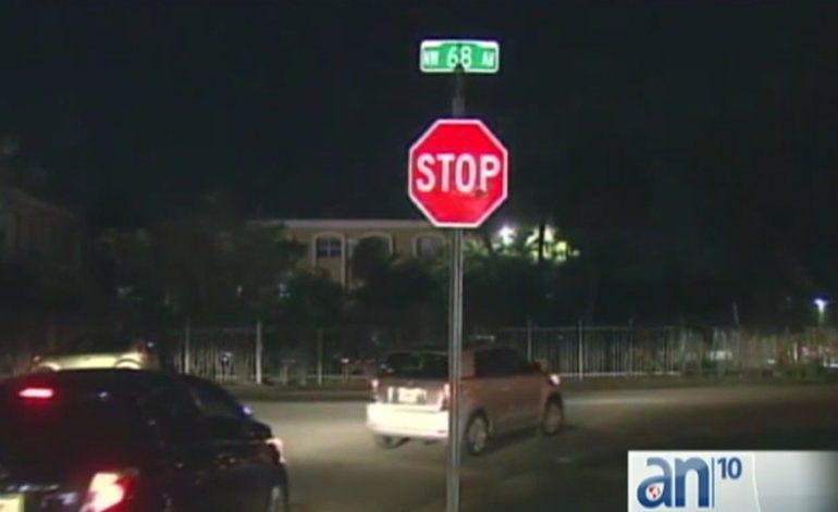 Una persona fue hospitalizada tras haber sido lanzada desde un auto en movimiento