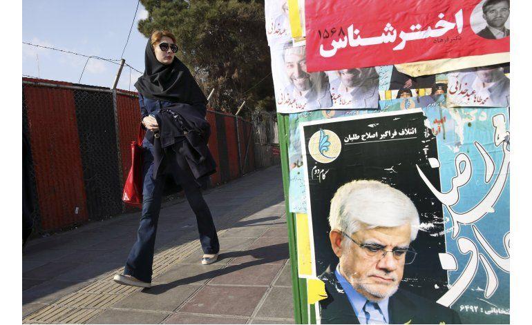 Irán empieza a votar en sus elecciones parlamentarias