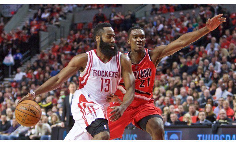 Harden lidera a Rockets en remontada contra Trail Blazers
