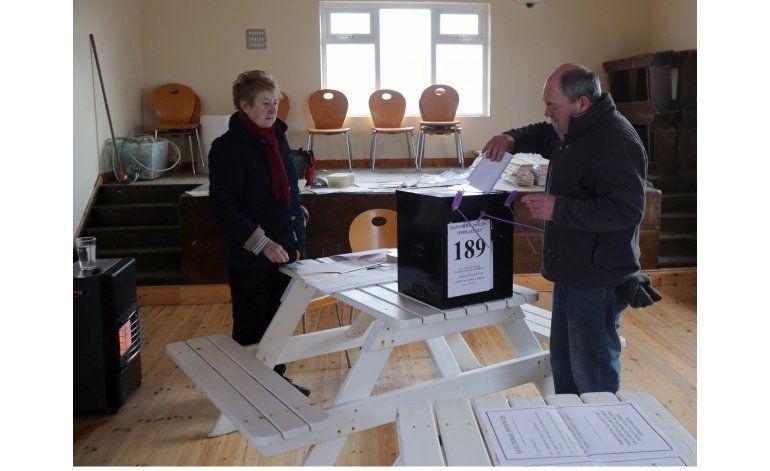 Irlanda elige presidente en elección marcada por austeridad