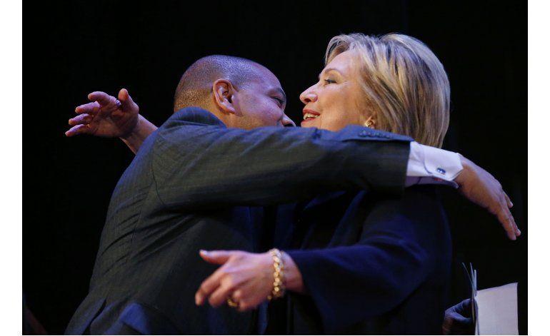 Clinton: lenguaje enérgico para discutir la cuestión racial
