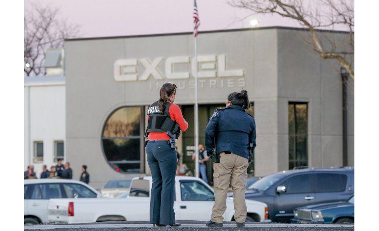 Kansas: Elogian a agente que abatió a agresor