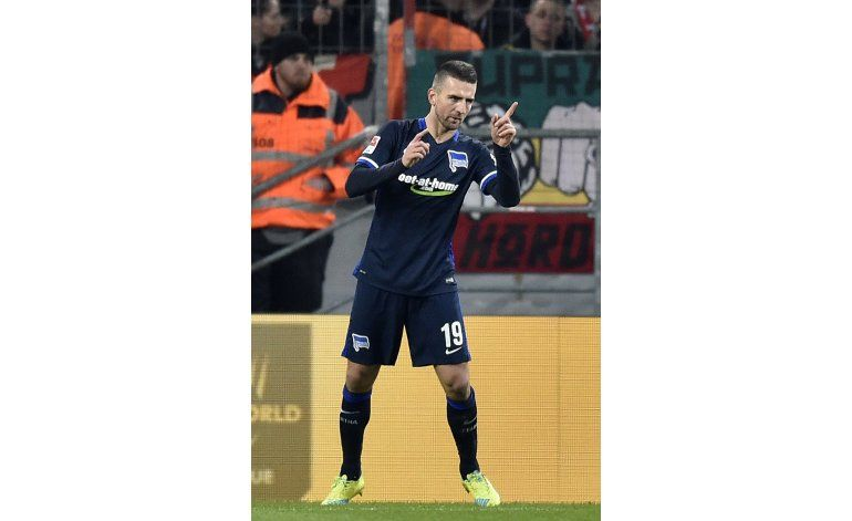 Hertha Berlín gana 1-0 en Colonia y se afirma como tercero