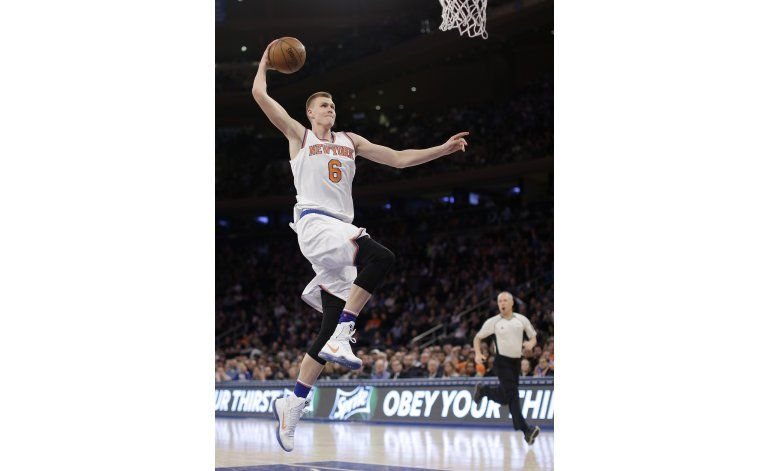 Knicks se aprovechan de la mala noche previa de Orlando
