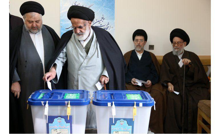 Reformistas encabezan elección parlamentaria en Irán