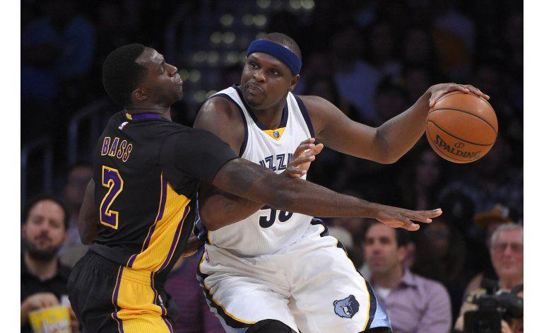 Nueva derrota de Lakers ante Grizzlies liderados por Carter