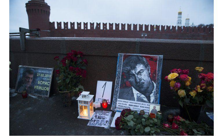 Moscú celebra 1er aniversario de muerte de líder opositor