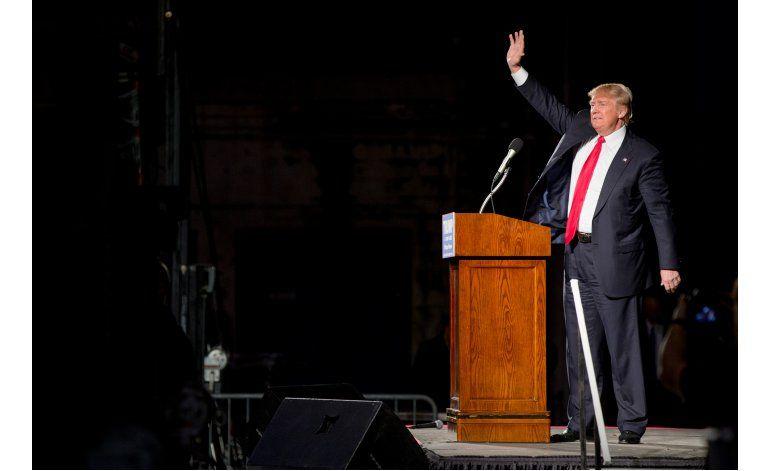 Exitosa venta de piñatas de Trump en Albuquerque y Santa Fe