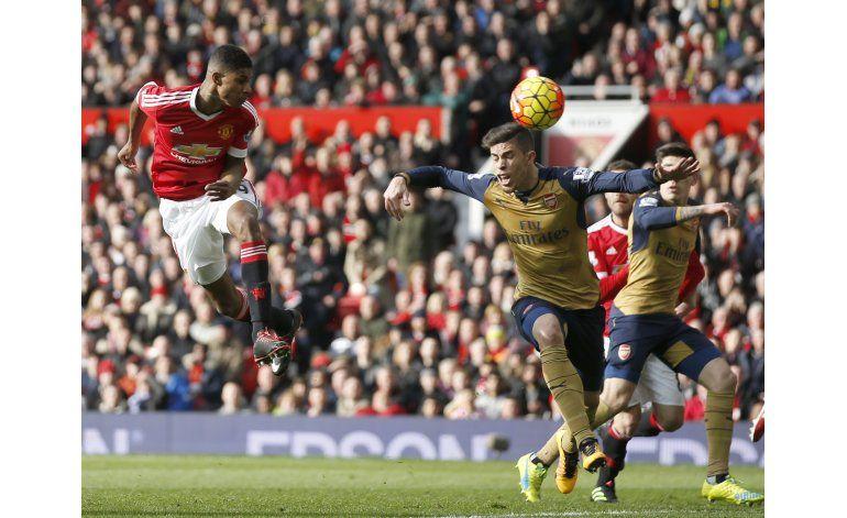 Doblete de Rashford da triunfo al United 3-2 sobre Arsenal