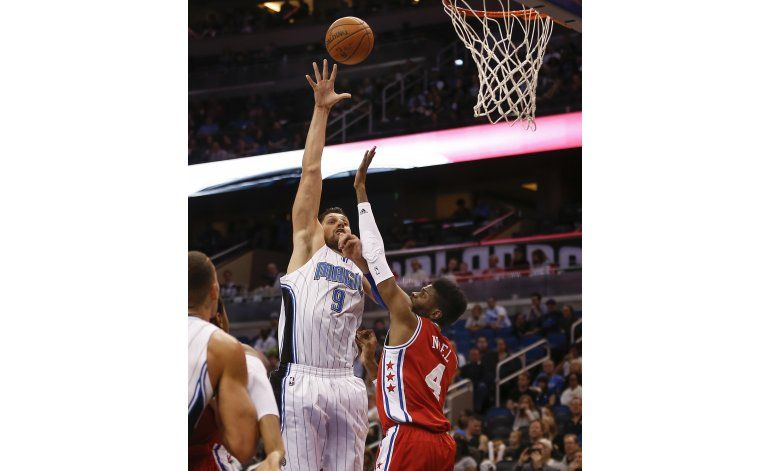 Magic endilga a 76ers 8va derrota seguida
